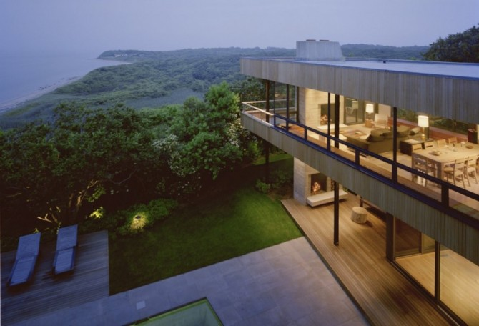 Bluff House Surrounded by Amazing Landscape Views